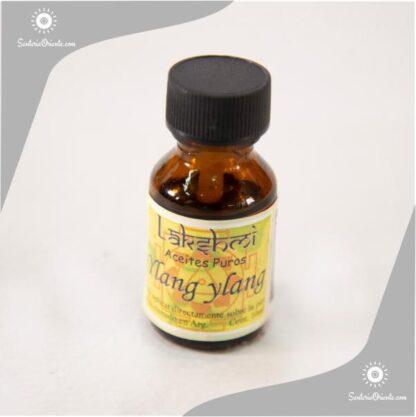 aceite de ylang ylang en botella de 10 cc