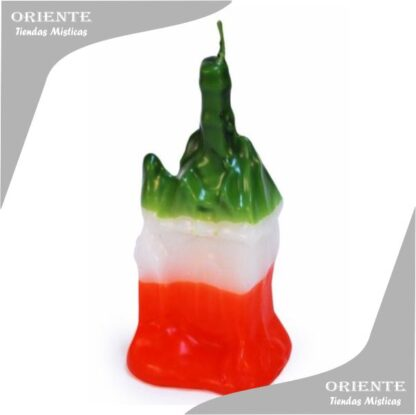 vela con froma de casa con los colores de san jorge rojo verda blanco la vela es de parafina