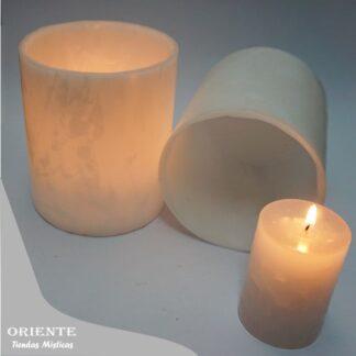 dos fanales circulares tipo tubo con veloncito encendido de color blanco