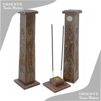 portasahumerio torre de madera calada y dos incinesos encendidos