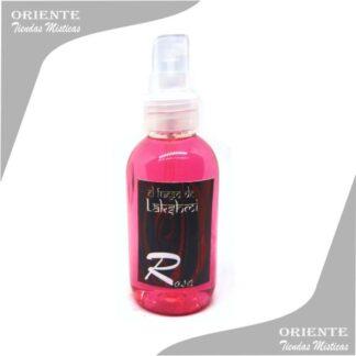 Locion con aroma a rosas, de color rosado tambien denominado spray aurico de rosas o locion de rosas