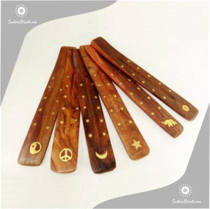 portasahumerio largo de madera con incrustaciones en bronce denominado sky con motivos de buda simbolo de la pza luna y ying yang