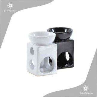 Hornillo cuadrado blanco y negro con perforaciones al costado