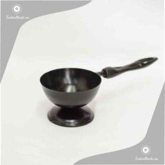 inciensero sahumador con manija en color negro de metal